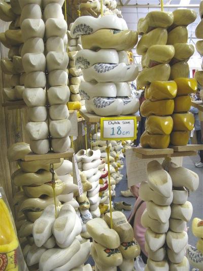 Shopping De Klomp Delftware Wooden Shoe Factory Holland