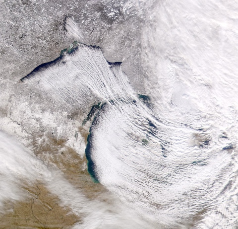 Lake_Effect_Snow_over_Michigan-480px