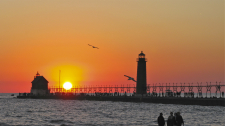 Grand_Haven_Lights-Sunset-8207-V2-225px