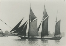 Photo of the Hackley & Hume lumber schooner Thomas Hume