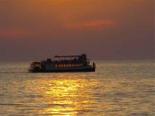 Star_of_Saugatuck-Sunset-IMG_5256-225px